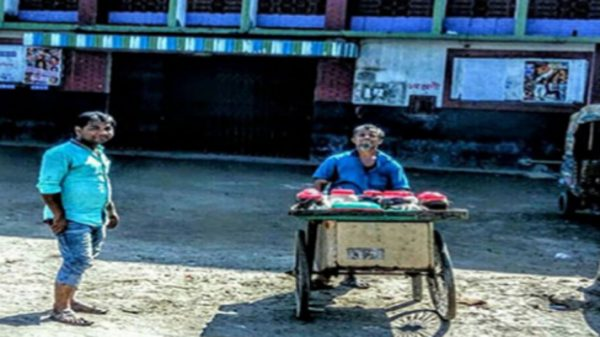 নারায়ণগঞ্জের জোড়া সিনেমা হল 'আশা' ও 'মাশার' ভেঙ্গে ফেলা হচ্ছে